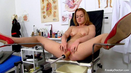 Alex Ginger (18 years girls gyno exam) Sex Machines