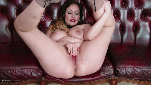 Sophia Delane Let's measure up! (2018) Masturbation