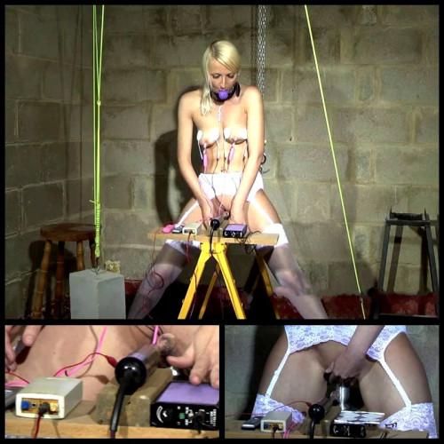 Scene Electric BDSM (Tracey Lain) ChimeraBondage