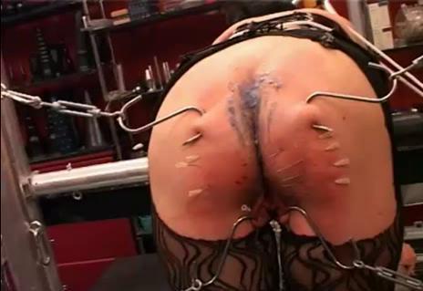 Huge ass hooks pierced through and needles (2014)