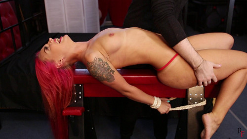 HD Dominance and submission Sex Movie scenes Alsus hawt stomach tickling with feather, ice and oil