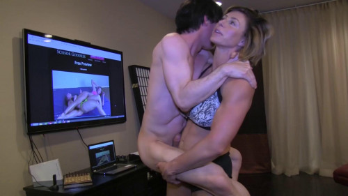 Goddess rapture lifts and jerks off her step bro Female Muscle