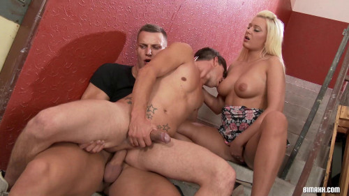 Empty Building witnessed MMF threesome Bisexual