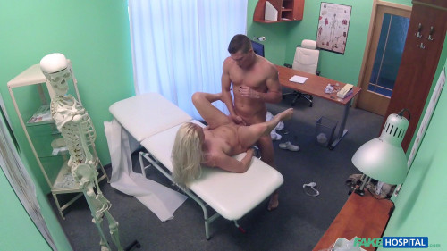 Kathy Anderson - Frisky MILF masseuse fucks doctor (2017) Hidden camera