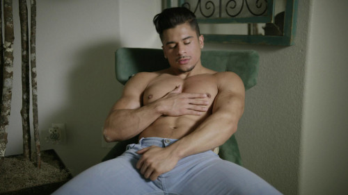 Armond Rizzo Gay Solo