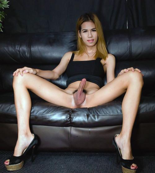 Nam Struts Her Big Breasts! Transsexual