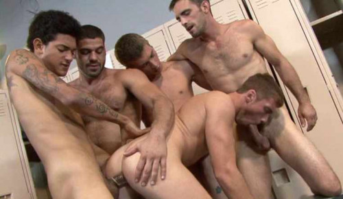 Big-cocked hunks gangbang