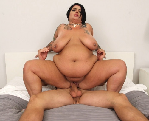 Erika Xstacy - To Catch A Cougar