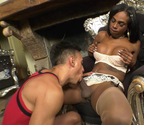 Super Ebony Tgirl Fucks And Cums In AndreaS Mouth