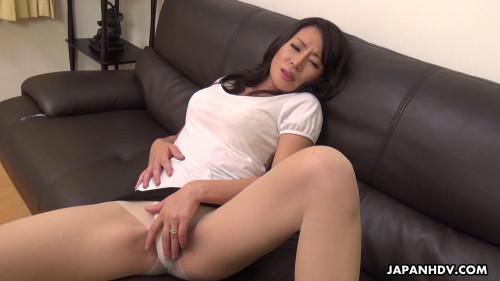Rei kitajima plays with her cunt on web camera