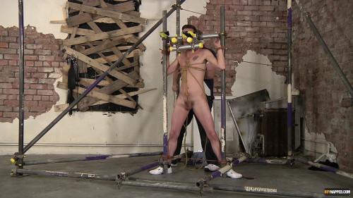 Cameron Gets Cum Drained (Cameron James, Sebastian Kane) 1080p