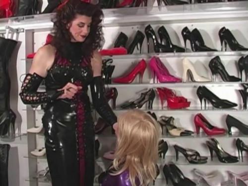 Bdsm Most Popular Amanda Wildefyres Rubber Slaves Rubber Boot Slut