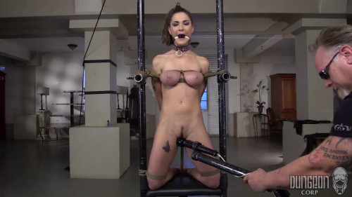 Hard core Beauty on Bottom - Molly Jane
