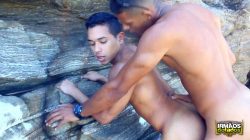 Irmãos Dotados - Fetiches - O Mar Não Está Pra Surf
