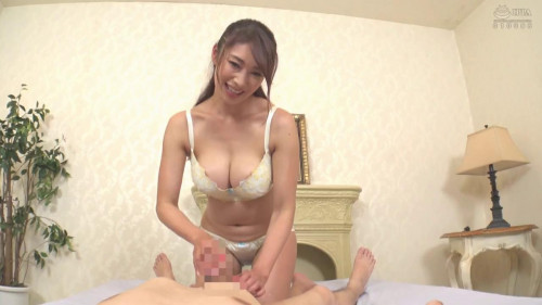 Reiko Kobayakawa Will Service You Cowgirl Style At This Bubbly Body
