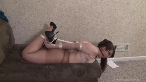 Elizabeth Andrews : Stripped, Bound, and Gagged