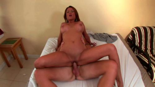 Amazing whore enjoys hardcore sex