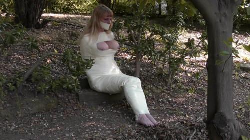 Lorelei in Mummification Bondage