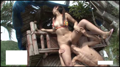 Sex in a bungalow on the beach Censored asian