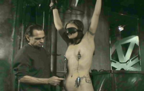 Hanging Torment 4 Lauren