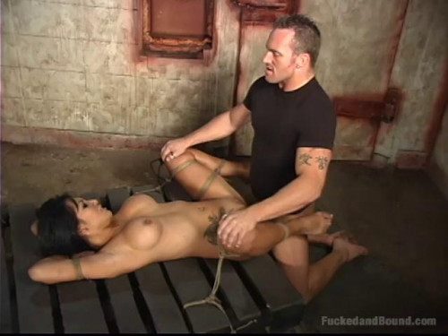 Gianna Is Spread Wide By Unforgiving Ropes - Only Pain HD