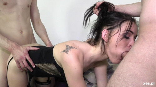 Lena - Lena ratuje ch opak w Sex Orgy