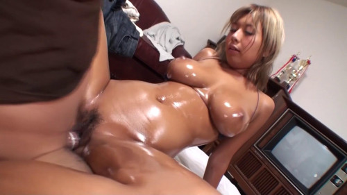 Black Gal With Big Tits Fucked And Covered In Oil (FC2-PPV-1326355)