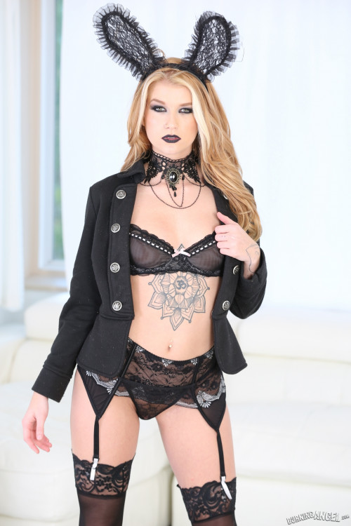 Small Hands, Arya Fae - Gothic Anal Whores FullHD 1080p HD Clips
