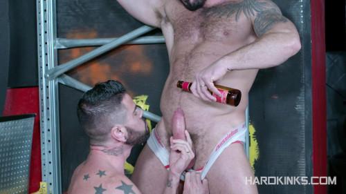 Macho Beast (Jessy Ares, Mario Domenech) Gay BDSM