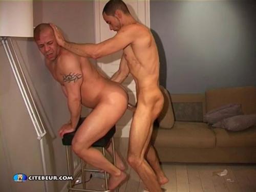 Waking up the neighbors - Ben & Cubano