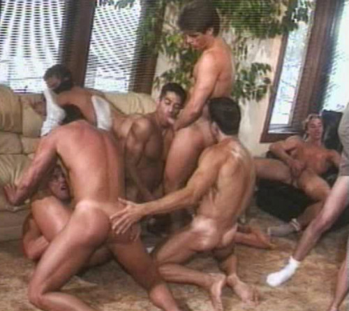 Muscle Guys In Summer Orgies At Aspen