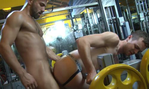 NakedSword  Workout, Scene 1: Gym-tastic Loads