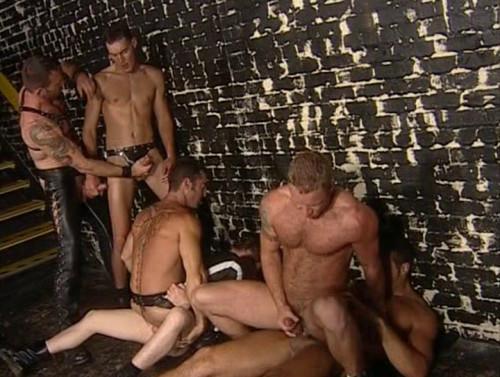 Six-man gangbang at sex club Gay Movie