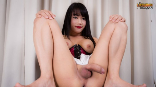 Bee Shows off Her Cock