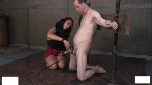 Loves the lady to tie Femdom and Strapon