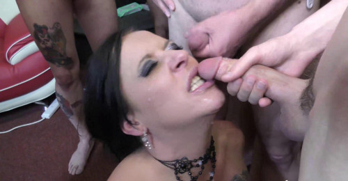 Tiffany Morriss Gets Jizzed On With Mona Part 2