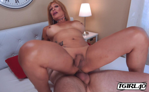 Mature Tranny Erica Love Hard Fucked By King Epicleus