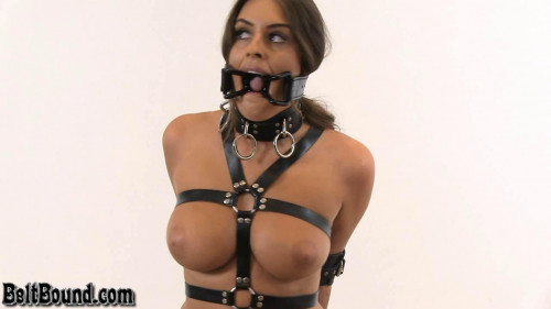 Huge Spider Gag - Emma Green - HD 720p