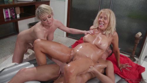Erica Lauren, Dee Williams - My Stepmom and Friend FullHD 1080p Threesome