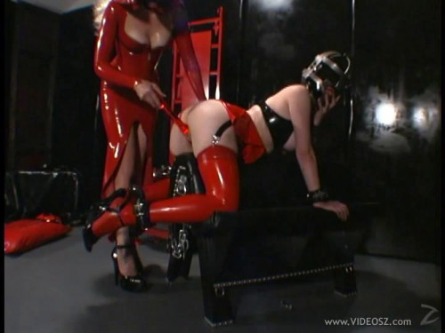 submission BDSM Latex