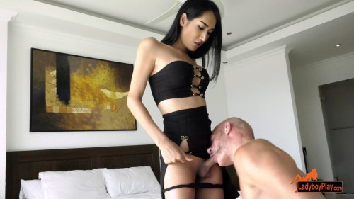 Aommy On Top Transsexual