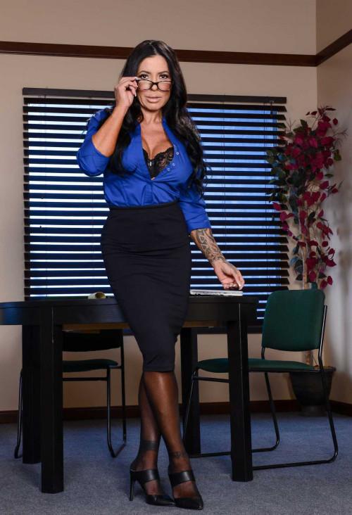 Simone Garza, Danny D - Load For A Loan FullHD 1080p Mature, MILF