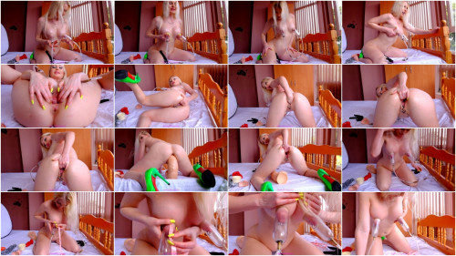 Fist Pump Nipples Jenny Simpson (2017)