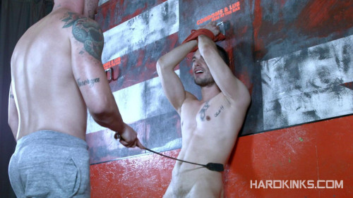 Sneakers, Pain And Wet Games (Erik Taylor, Jean Favre) Gay BDSM