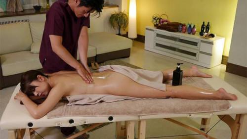 Shiho tachibana acquires a massage