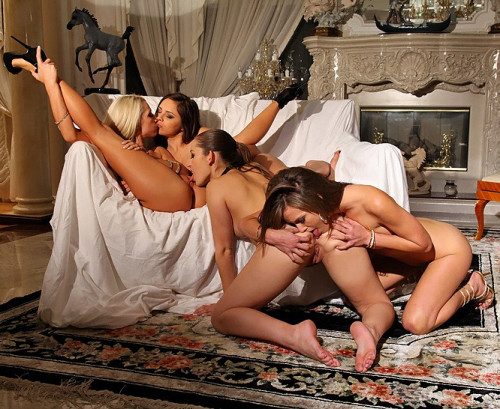 Hotties Started By Sensually Kissing Each Other With Lead To Pussy Rubbing Lesbians