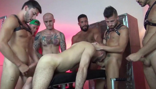 Sexy Breeders In Raw Gang Bang