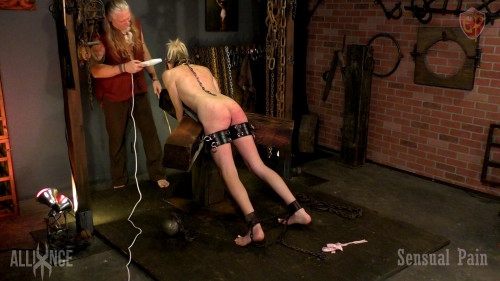 Painslut training river enza BDSM