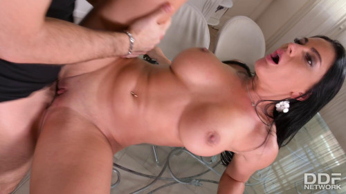 Honey Demon - A Sexual In-Home Service Call Big boobs
