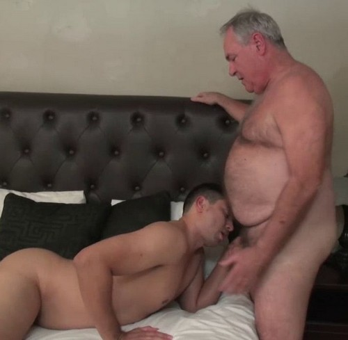 Dating A Hot Daddy Bear